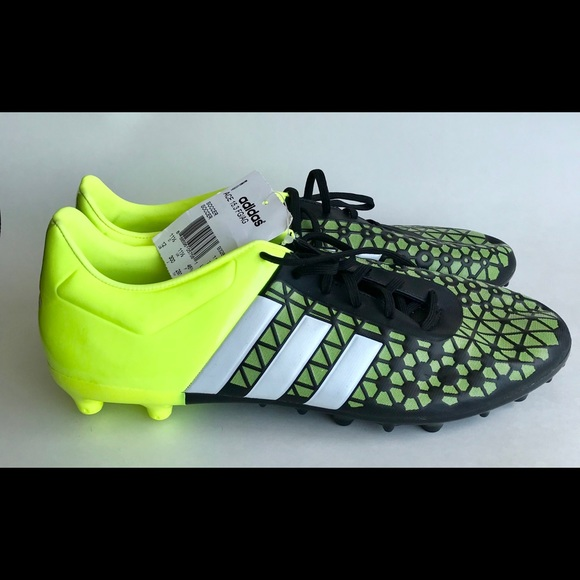 size 40 ea4ce 5a89d ADIDAS ACE 15.3 FG AG FG Firm Ground Soccer Cleats